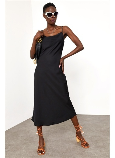 XHAN Siyah Degaje Yaka Saten Elbise  Siyah